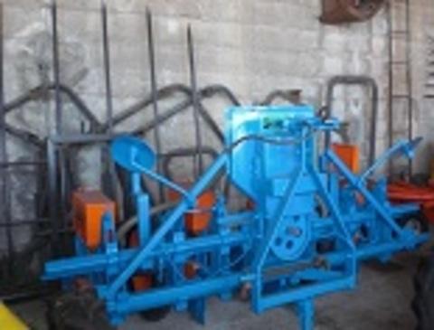 Agroem - SEMBRADORA NEUMÁTICA SUBIAS 4 hileras - AGROEM Maquinaria Agrícola y Jardinería